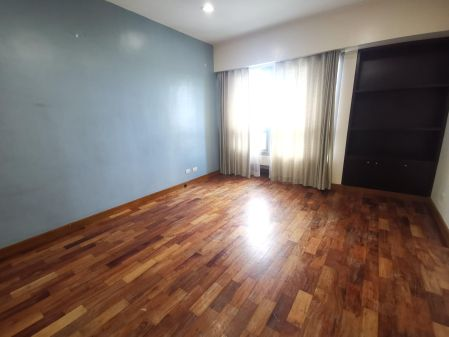 High End 2 Bedroom For Rent in The Residences at Greenbelt