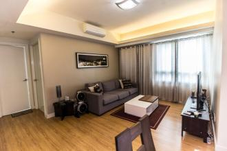 2 Bedroom for Rent at The Grove by Rockwell with Parking