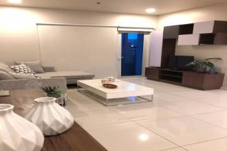 Fully Furnished 2 Bedroom Condo for Rent in Legaspi Village