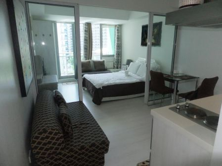 1BR Fully Furnished Unit for Rent at Azure Urban Residences