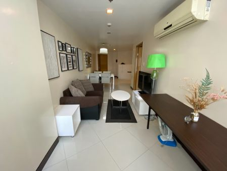 Fully Furnished 1 Bedroom Unit at One Central Makati for Rent