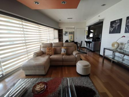 Decent Luxury 2 Bedroom for Rent in The Residences at Greenbelt