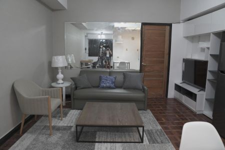 1 Bedroom with Balcony for Rent at BSA Mansion Condotel