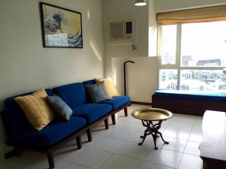 Fully Furnished 1 Bedroom For Rent in The Columns Ayala Avenue