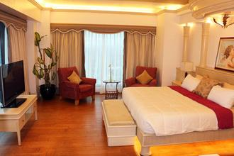 Premium 3BR Luxury Condo in Shang Grand Tower