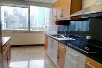First class 3 bedroom with Balcony at Regent Parkway BGC