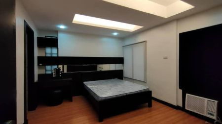 Beautifully Refurbished 2 Bedroom for Rent in Manhattan Square