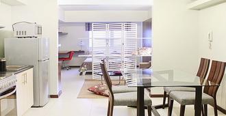 1 Bedroom Condo at Columns Legaspi