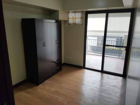 Fully Furnished 1BR Unit at Royal Palm Residences for Rent