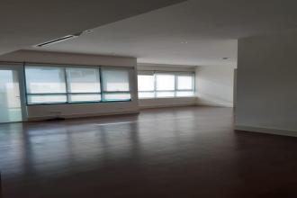 3 Bedroom Unit in Edades Tower Rockwell Center Makati