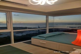 1BR Sunset Sea View Manila Bay Deluxe End Unit with Balcony