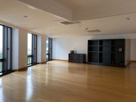Unfurnished 3 Bedroom Unit at Essensa East Forbes for Rent