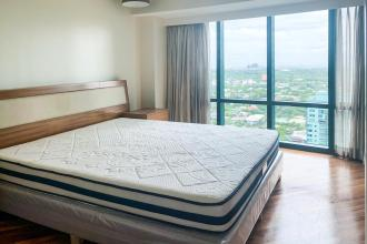 Fully Furnished 2 Bedroom in Amorsolo Square