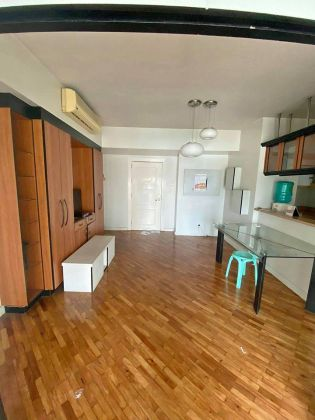 Semi Furnished High End 1 Bedroom for Rent in Manansala Tower