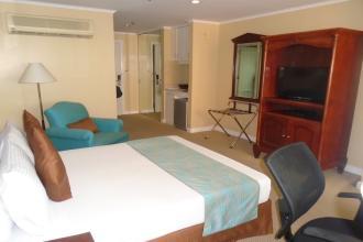 Studio Hotel Room for Rent along Makati Avenue