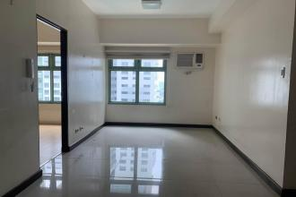 Semi Furnished 2 Bedroom in Magnolia Residences New Manila QC