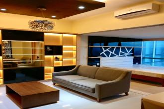 Luxurious 1BR  in One Uptown Residence near Uptown Mall Taguig