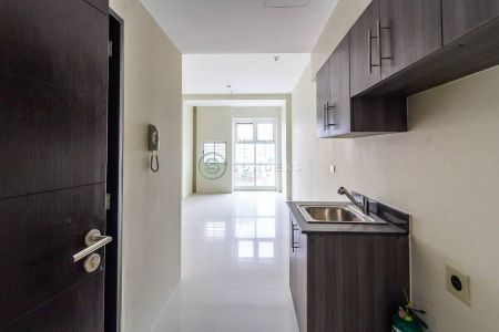 Unfurnished Studio at Wil Tower for Rent