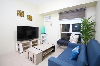2 Bedroom, 2 toilet with storage room and parking condo for rent