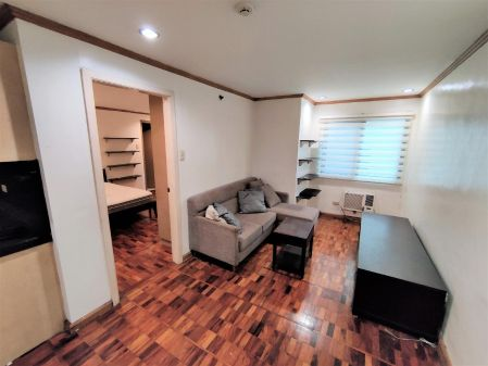 1BR with Parking and Large Kitchen in Classica Tower Salcedo