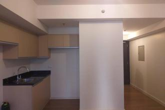 Makati Condo for Rent Walking distance to RCBC