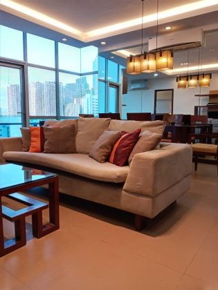 3BR for Rent in Sapphire Residences BGC