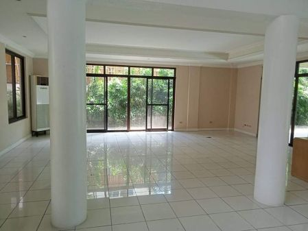 Ayala Alabang 5BR House for Rent in Alabang Muntinlupa