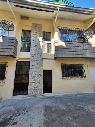 Townhouse with 4BR with 2 parking slots for rent Makati