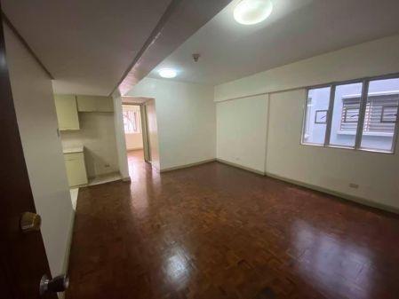 2 Bedroom Unfurnished in Valero Plaza Condominium Makati