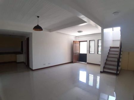 BF Homes Almanza House and Lot for Rent