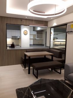 Fully Furnished 2BR Low Rise Two Serendra facing Garder, Interior