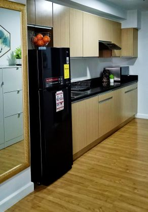 Fully Furnished Studio Unit at Forbeswood Parklane for Rent