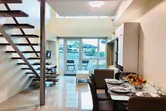 Fully Furnished 1BR Loft with Balcony in The Beacon Makati