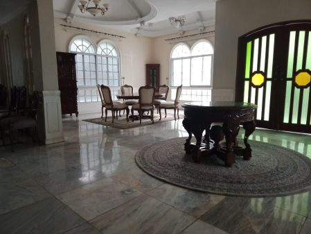 Fully Furnished 5 Bedroom House for Rent at Ayala Alabang