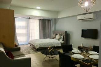 Interiored Executive Studio and Fully Furnished with Pool View