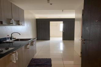 Low Floor Unfurnished 1BR Condo Unit in SMDC Green Residences