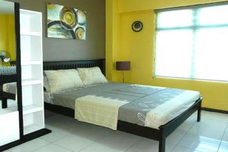 Fully Furnished Studio Condo for rent at Two Serendra BGC