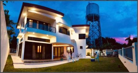 5BR House for Rent with Garden in Cavite City